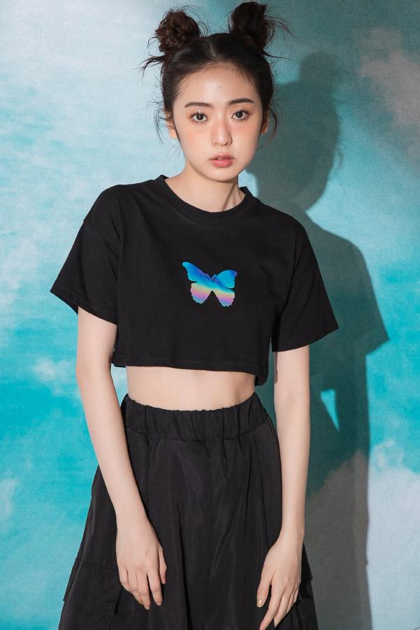 人氣款反光蝴蝶印花短版T恤