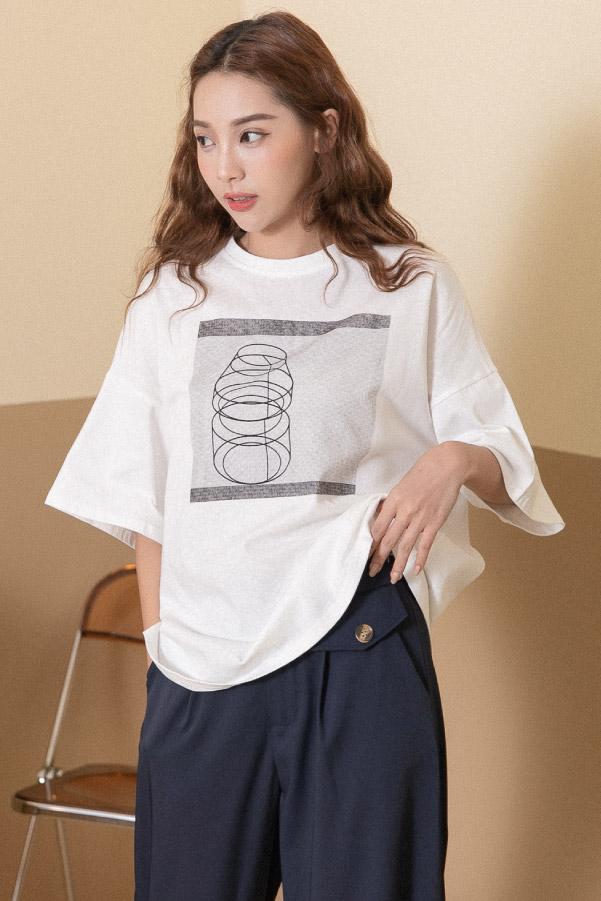 產品透視圖印花寬鬆白T恤